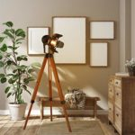 Modern Industrial Vintage Tripod Floor Table Lamp - Wooden Nautical Cinema Searchlight - Spotlight Reading Light for Living Room and Office Movie Theatre Decoration Adjustable Height (excluding Bulb)